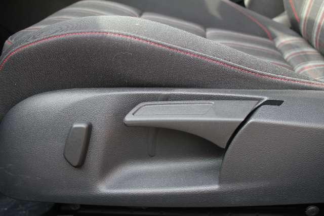 Image 18 of 2011 Volkswagen GTI…
