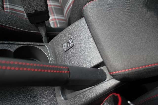 Image 24 of 2011 Volkswagen GTI…