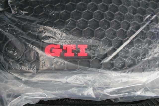 Image 28 of 2011 Volkswagen GTI…