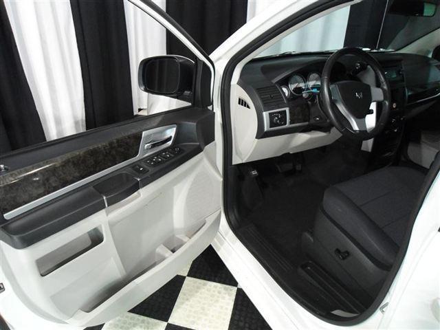 Image 8 of 2010 Dodge Grand Caravan…