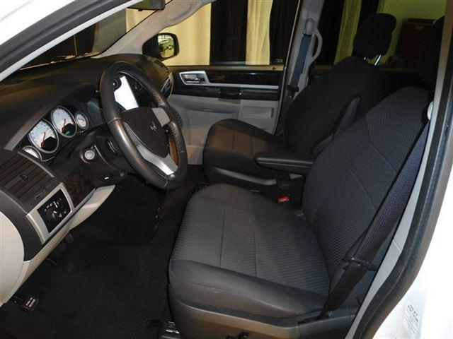 Image 9 of 2010 Dodge Grand Caravan…