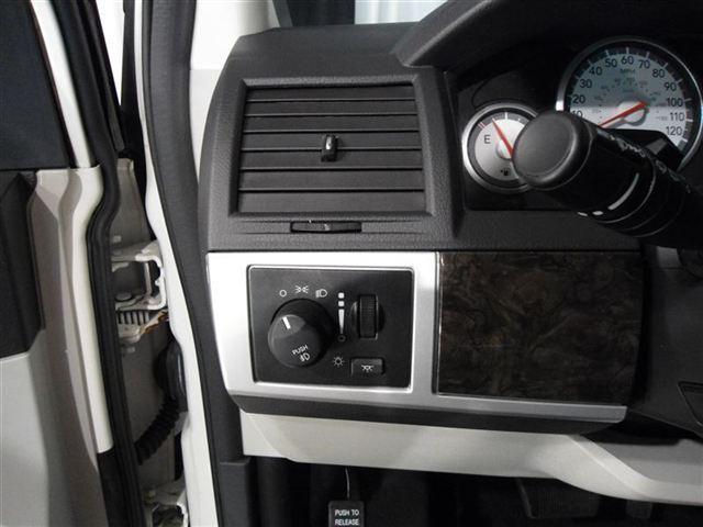 Image 15 of 2010 Dodge Grand Caravan…
