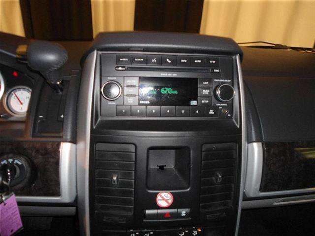 Image 18 of 2010 Dodge Grand Caravan…