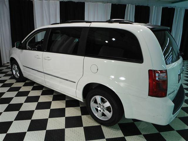 Image 28 of 2010 Dodge Grand Caravan…