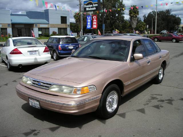 1996 Ford Crown Victoria 635 w