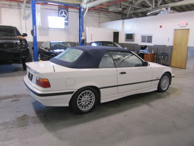1998 BMW 3 series 328iC WHITE/BLUE TOP - Newark NJ