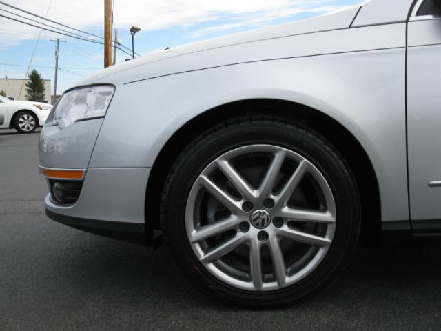 Image 5 of 2008 Volkswagen Passat…