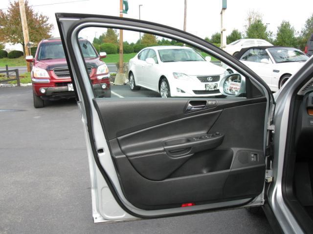 Image 17 of 2008 Volkswagen Passat…