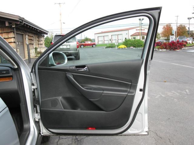 Image 18 of 2008 Volkswagen Passat…