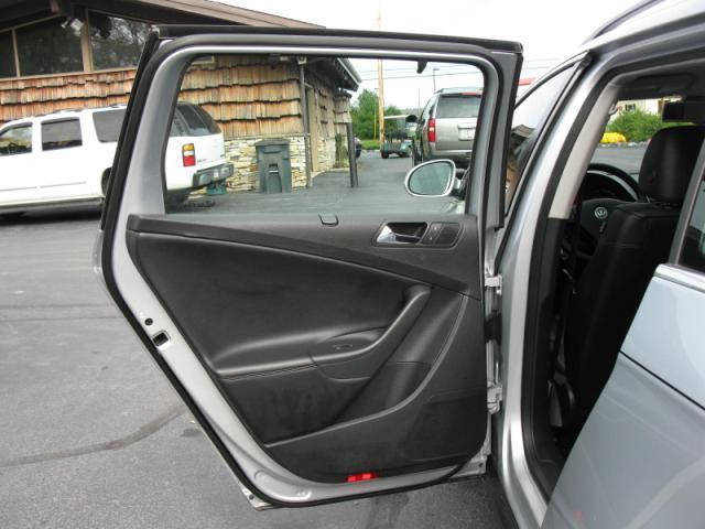 Image 20 of 2008 Volkswagen Passat…