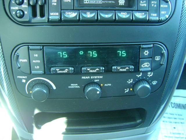 Image 17 of 2006 Dodge Grand Caravan…