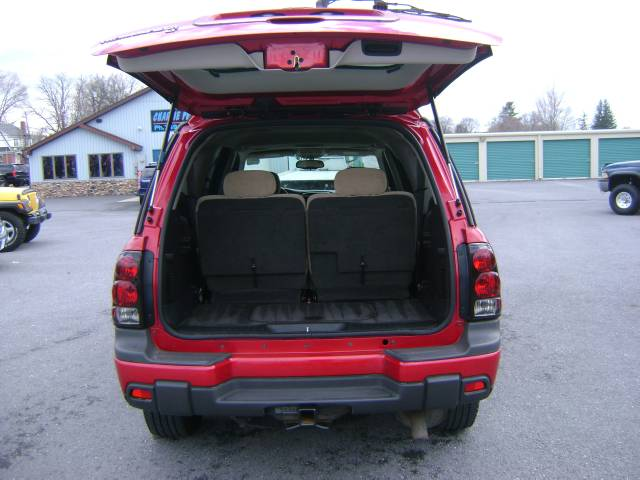 Image 10 of 2005 Chevrolet TrailBlazer…