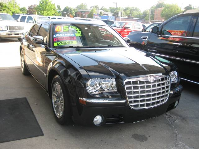 chrysler 300c black 2005 used cars for sale. Black Bedroom Furniture Sets. Home Design Ideas
