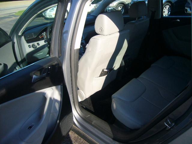 Image 4 of 2007 Volkswagen Passat…