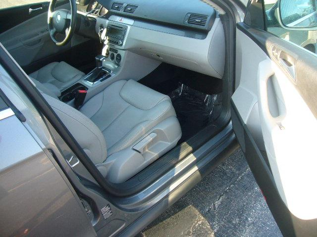 Image 10 of 2007 Volkswagen Passat…
