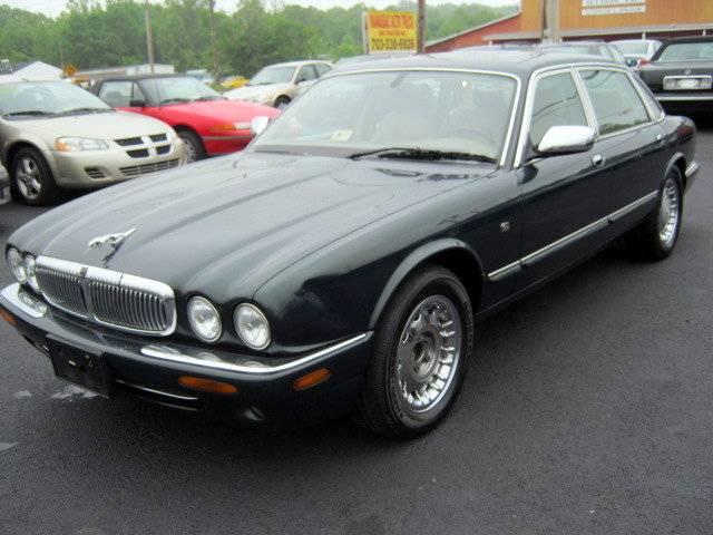 used green 2000 jaguar xj8 for sale in 7216 centreville rd manassas. Black Bedroom Furniture Sets. Home Design Ideas