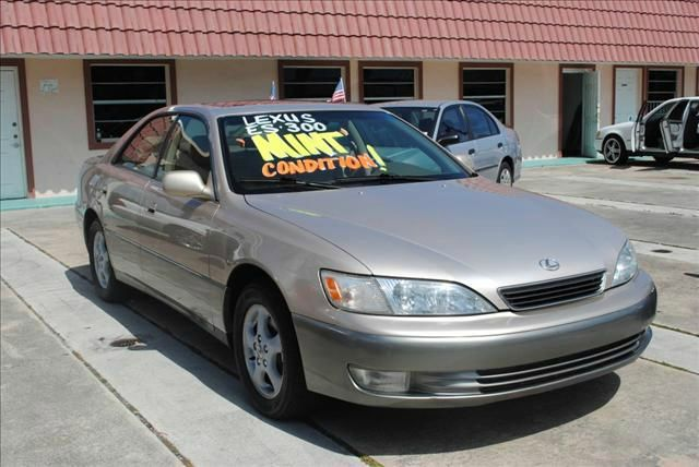 1998 LEXUS ES 300 BASE gold 1998 lexus es300 luxury pkg power everything immaculate condition not