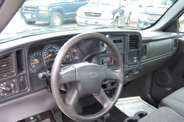 Image 23 of 2004 Chevrolet Silverado…