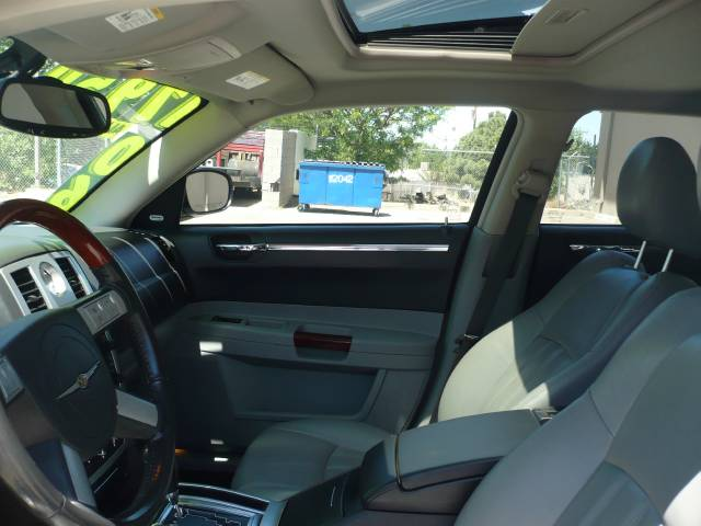 2006 Chrysler 300c W P Chrysler Executive Lwb Related