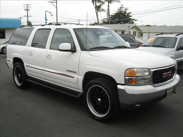 2001 GMC Yukon XL 1500 Utility in Montebello