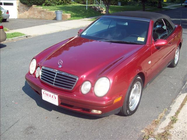 Image 1 of 1999 Mercedes-Benz CLK…