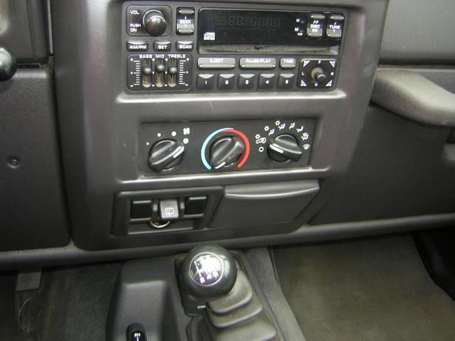Image 34 of 2000 Jeep Wrangler SE…