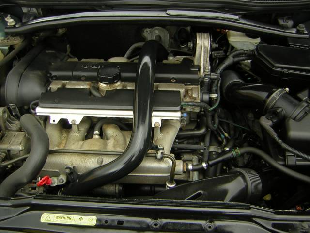 Image 35 of 2003 Volvo XC70 2.5T…