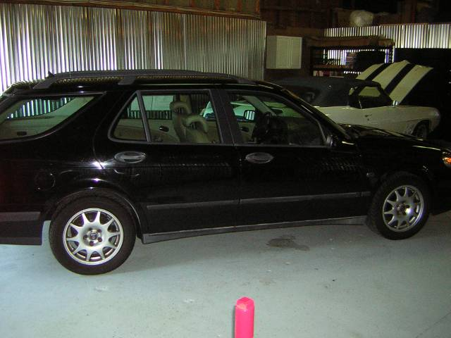 Image 2 of 2001 Saab 9-5 Base 4-Cylinder…