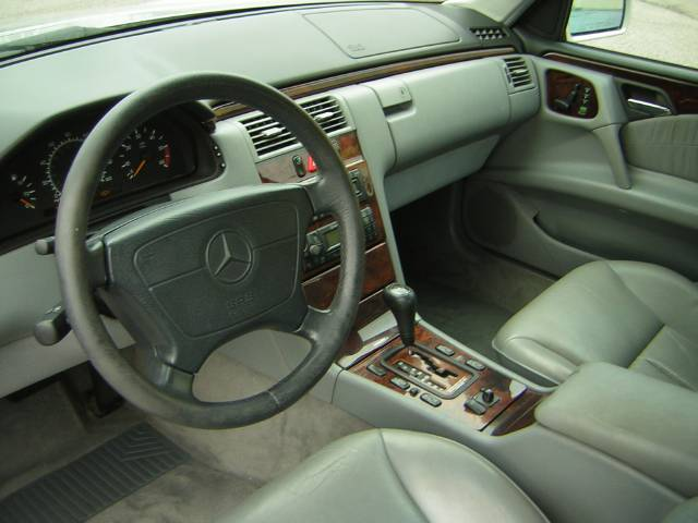 Image 31 of 1999 Mercedes-Benz E…