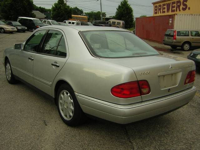 Image 56 of 1999 Mercedes-Benz E…