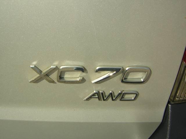 Image 33 of 2004 Volvo XC70 2.5T…