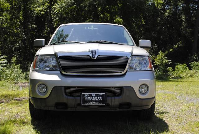 Image 12 of 2004 Lincoln Navigator…