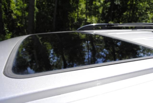 Image 13 of 2004 Lincoln Navigator…