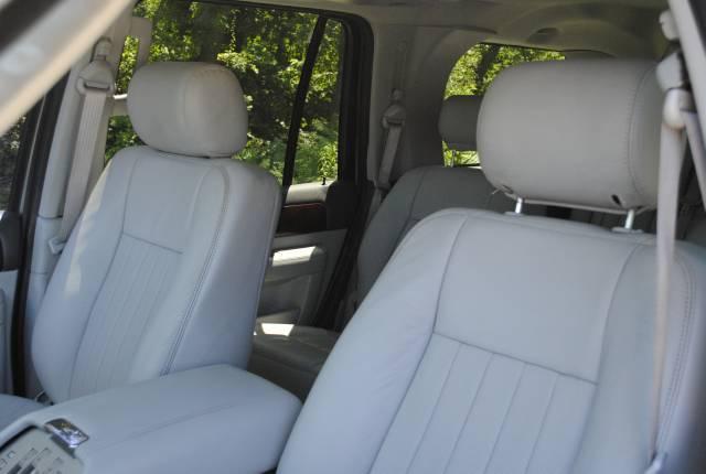 Image 14 of 2004 Lincoln Navigator…