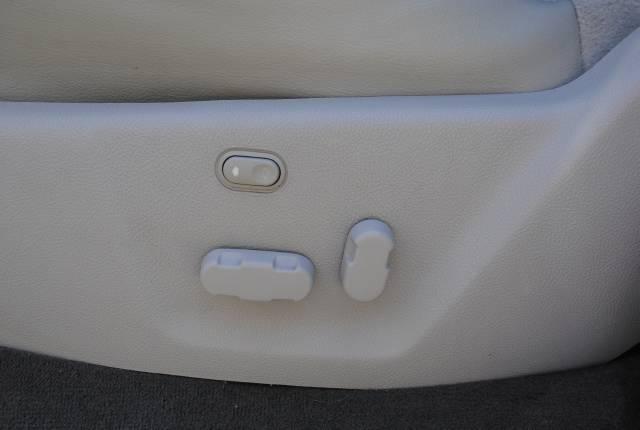 Image 17 of 2004 Lincoln Navigator…