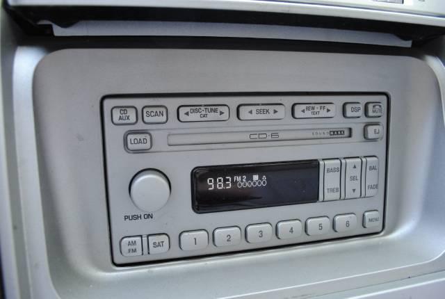 Image 24 of 2004 Lincoln Navigator…