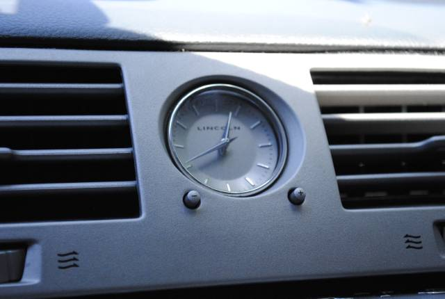 Image 25 of 2004 Lincoln Navigator…