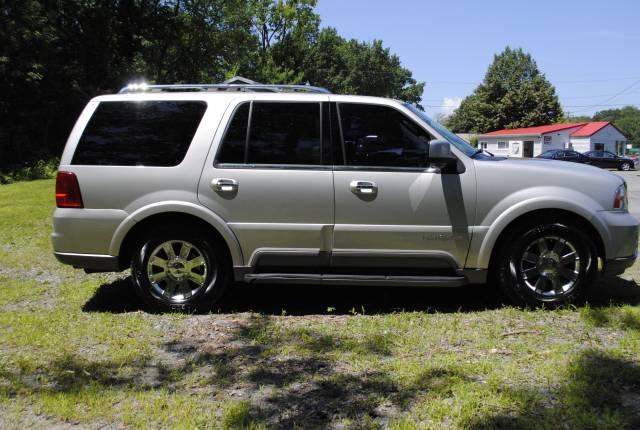 Image 34 of 2004 Lincoln Navigator…