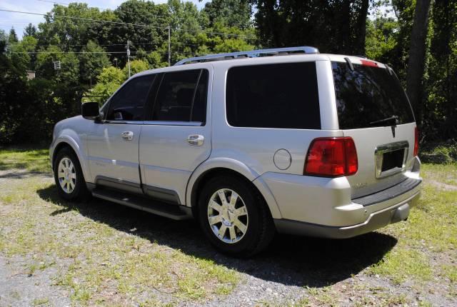 Image 46 of 2004 Lincoln Navigator…