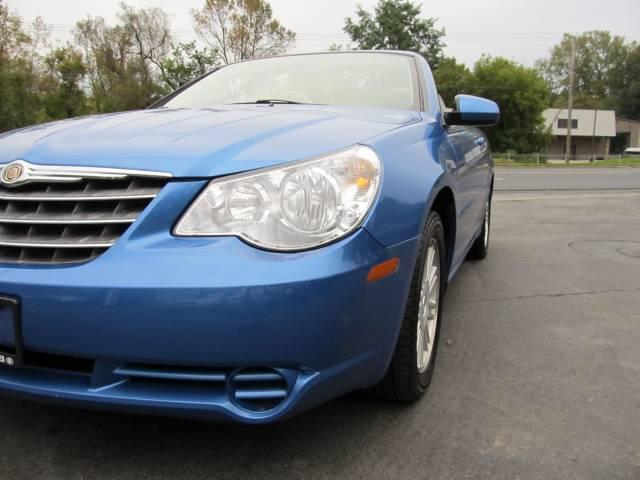 Image 11 of 2008 Chrysler Sebring…