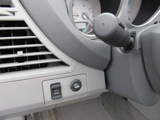 Image 17 of 2008 Chrysler Sebring…