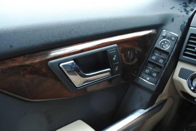 Image 14 of 2010 Mercedes-Benz GLK…