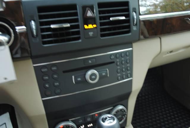 Image 22 of 2010 Mercedes-Benz GLK…