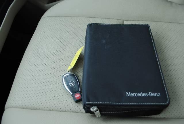 Image 37 of 2010 Mercedes-Benz GLK…