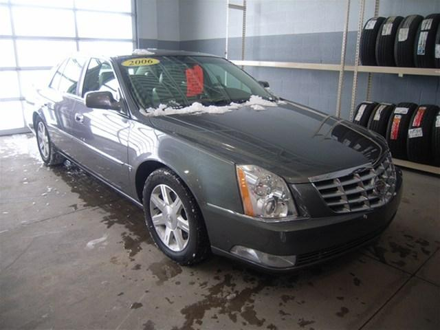 Tothego - 2006 Cadillac DTS_1