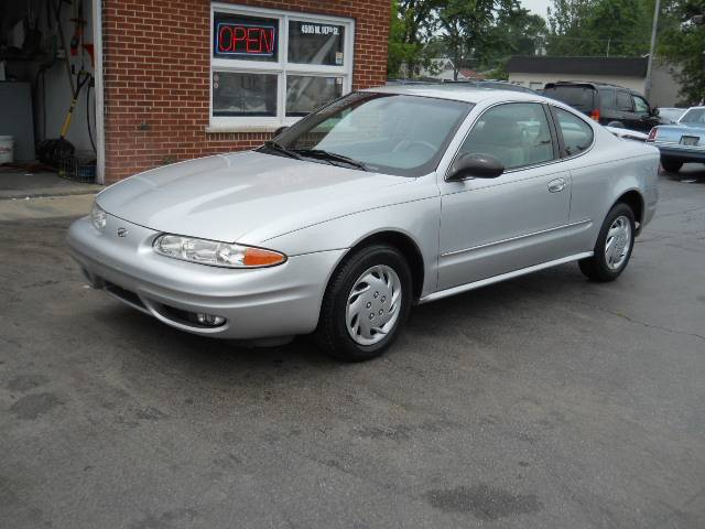 Image 23 of 2004 Oldsmobile Alero…