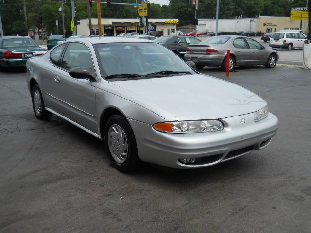 Image 38 of 2004 Oldsmobile Alero…