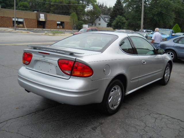 Image 40 of 2004 Oldsmobile Alero…