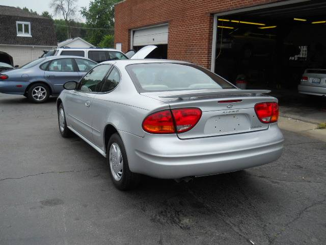 Image 42 of 2004 Oldsmobile Alero…